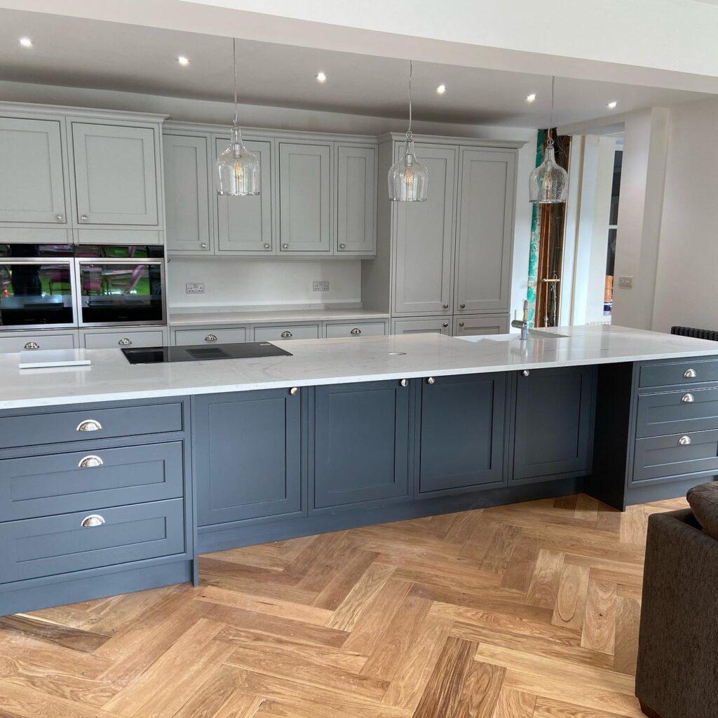 kitchen trends - coloured units
