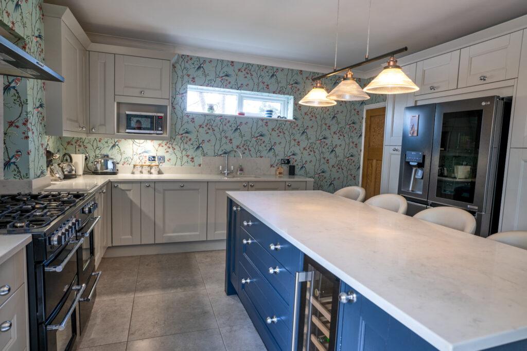 kitchen trends - two tone kitchen